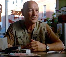 1x04-fb3-1-Locke