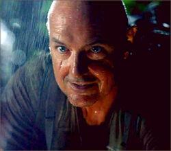 1x11-g6-4-Locke