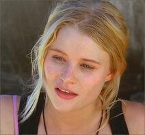 1x08-g13-4-Claire