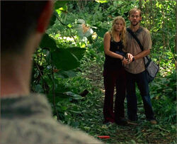 1x10-g9-2-Claire-Charlie