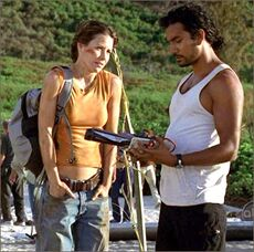 1x04-g7-6-Sayid-Kate