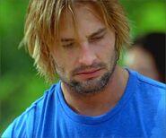 1x08-g5-7-Sawyer