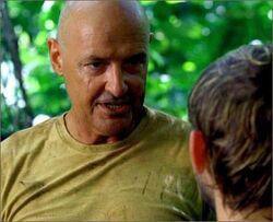1x07-g1-4-Locke-Charlie