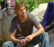 1x03-g9-8-Sawyer