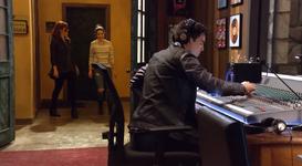Parker rachel tyler season 1 episode 8