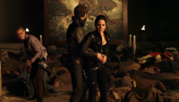 Bo-Dyson-Tamsin as Kenzi enters portal (413)