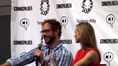 Kris Holden-Ried & Zoie Palmer (Comicpalooza 2013)