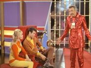 10fba2410be3b5ad5ca646e08667e2b6--space-tv-lost-in-space
