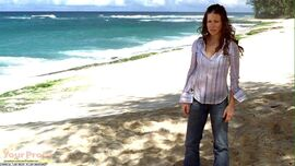 Lost-Kate-Austen-s-Island-outfit-3