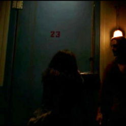 3x07-room23-alex-door