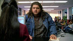 5x06-hurley-airport-flight-316