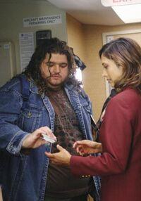 Hurley comprando os acentos vagos