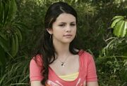 New-wizards-of-waverly-place-stills-12
