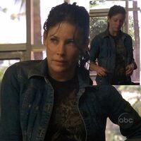 2x09 Kate Tshirt