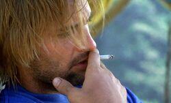 1х08 Сойер сигарета