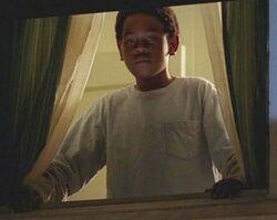4x08 Walt in window 2