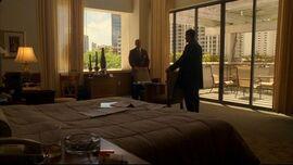1x05hotelroom
