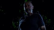 John Locke groet Sawyer en Juliet