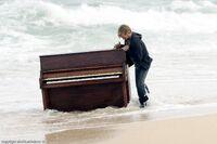 2х12 Чарли открывает пианино промо