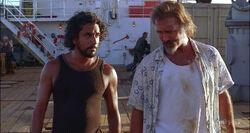 4x05 Frank-Sayid-Frachter