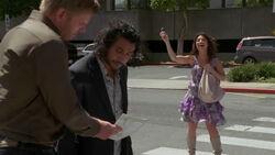 Jacob vraagt de weg aan Sayid