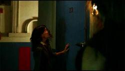 3x07-room23-alex-door2