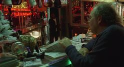 4x08 Gus's Pawn Shop interior 1