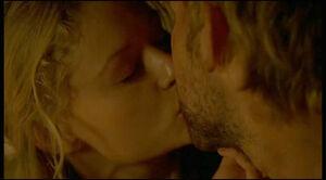 Claire küsste Charlie