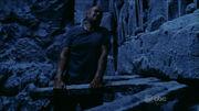 Locke przenosi Wyspę