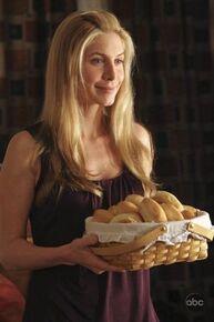 4x06Juliet dinner bread