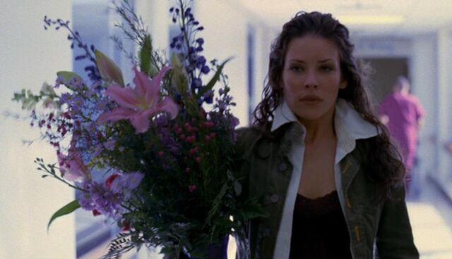 File:1x22 kate flowers.JPG