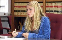 1x10 Claire Rückblende