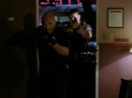 6х08 Офицер полиции