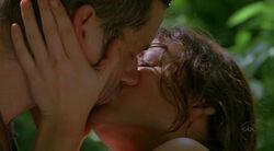 Kate küsst Jack