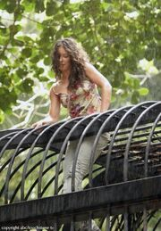3x04Kate escapes from the cage