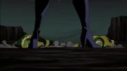 Black Widow trough legs