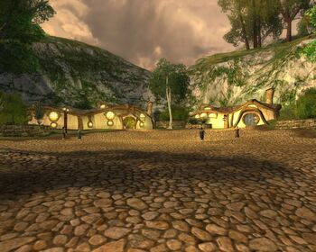 "Little Delving w grze <i><a href=""/pl/wiki/The_Lord_of_the_Rings_Online"" title=""The Lord of the Rings Online"" class=""mw-redirect"">The Lord of the Rings Online</a></i>."