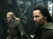 Арагорн и Леголас около Стези Мертвецов