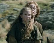 Freda und Éothain auf dem Weg nach Helms Klamm