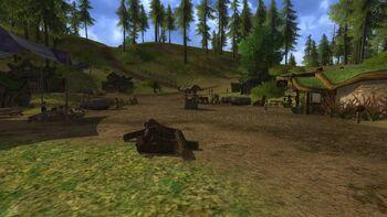 """Za Pagórkiem w grze <i><a href=""""/pl/wiki/The_Lord_of_the_Rings_Online"""" title=""""The Lord of the Rings Online"""" class=""""mw-redirect"""">The Lord of the Rings Online</a></i>"""