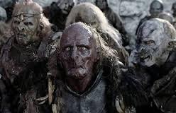 """Grupa orków z Mordoru w filmie <i><a href=""""/pl/wiki/W%C5%82adca_Pier%C5%9Bcieni:_Dwie_wie%C5%BCe_(film)"""" title=""""Władca Pierścieni: Dwie wieże (film)"""">Władca Pierścieni: Dwie wieże</a></i>"""