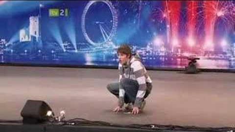 Gollum Impression on Britain's Got Talent 2008. (Smeagol Andrew Swallow)