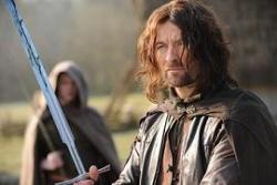 """Arathorn II w filmie <i><a href=""""/pl/wiki/Zrodzony_z_Nadziei"""" title=""""Zrodzony z Nadziei"""">Zrodzony z Nadziei</a></i>"""