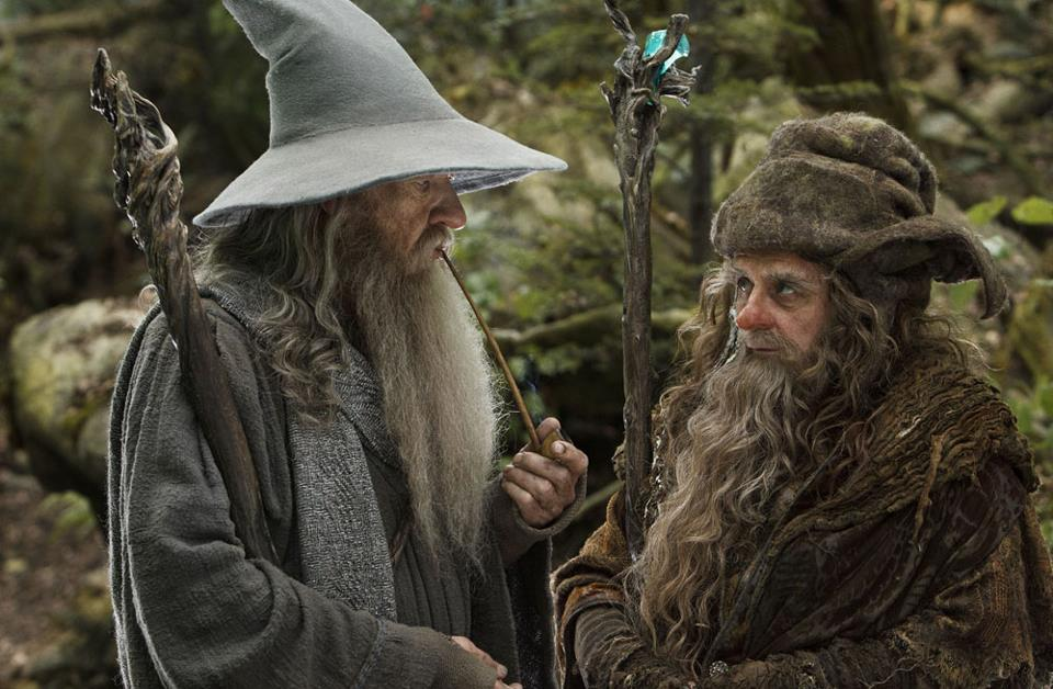 THE LORD OF THE RINGS GANDALF FELLOWSHIP LIGHTUP STAFF