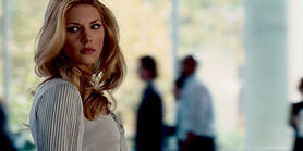Katheryn-winnick-love-and-other-drugs-pic2