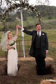 Dwight-angela-married-w724