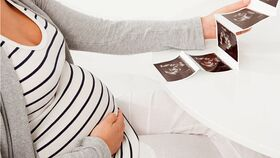 Gty pregnant twins nt 110914 wg