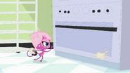Minka throws pastry