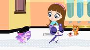 Zoe&PennyOnBubbleWrap