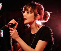 Lauren-Mayberry-Chvrches
